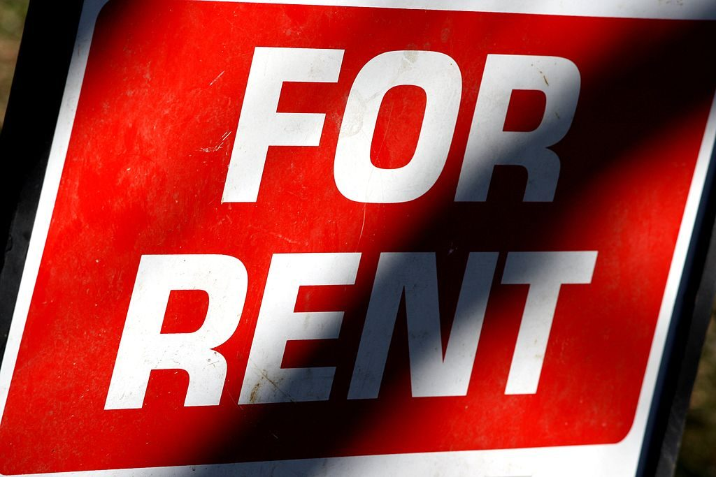 finding tenants: for rent sign